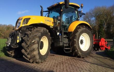 tractor huren grondfrees vario traktor overtop frees verticuteermachine huren