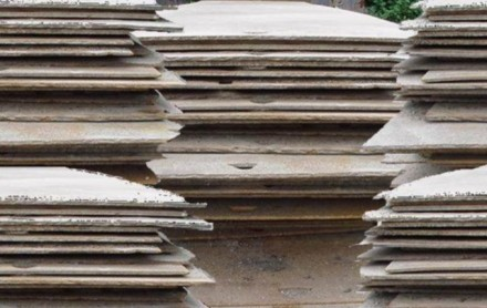 rijplaten staal stalen platen verhuur materieel